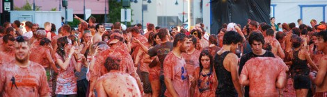 La Tomatina - Spain Tomato Throwing Madness