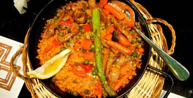 a vegetarian paella