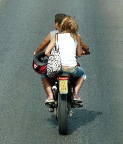 Spain photography tips: people on mopeds in Spain