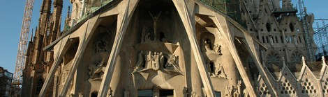 Two Must See Attractions in Barcelona:  La Sagrada Familia and the Fountain of Motjuic