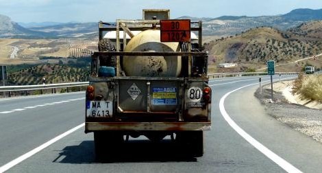 Spain Photography Tips: Pay attention to the vehicles around you